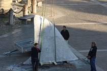 Žralok odplul z budějovického náměstí.