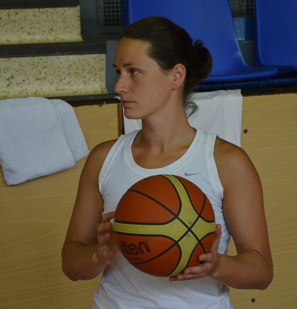 ROZEHRÁVAČKA. Slovenka Dagmar Chlebovcová je novou tváří v týmu strakonických basketbalistek.
