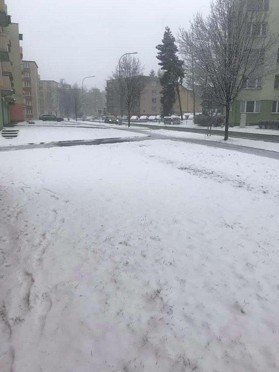 Z okna paráda. Foto: Jaroslava Šulcová