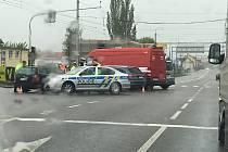 Úterní nehoda na křižovatce Nemanické a Pražské ulice.