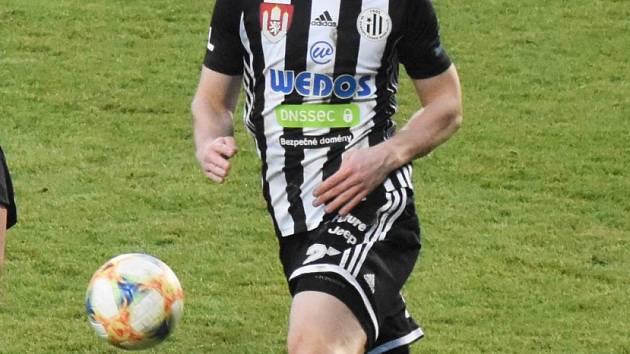 Matej Mršić v nedělním zápase I. ligy ve Zlíně přispěl k vítězství fotbalistů Dynama 3:2 dvěma góly.