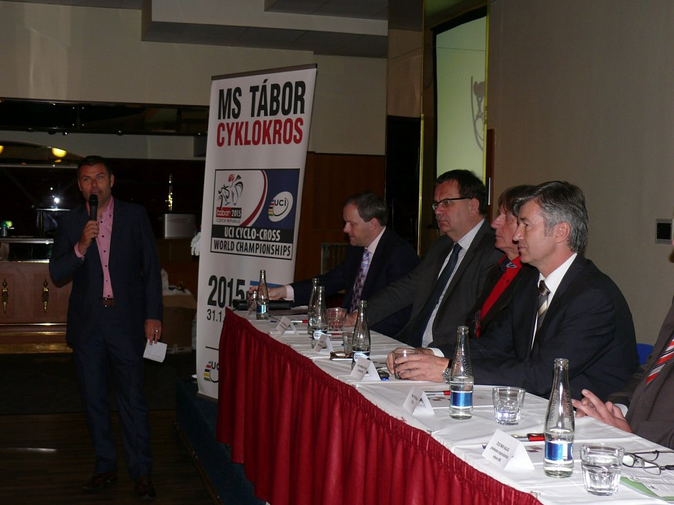 Tisková konference k pořádání MS 2015 v cyklokrosu v Táboře