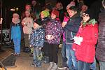 Ježíšek dorazil v pondělí do českobudějovické Kavárny Lanna mezi děti z dětského domova Žíchovec.