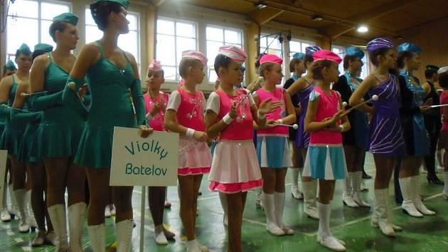 Druhý ročník soutěže s názvem Dačický pohár aneb kde vznikla kostka cukru navštívilo na 600 mažoretek z celé České republiky a také ze Slovenska.