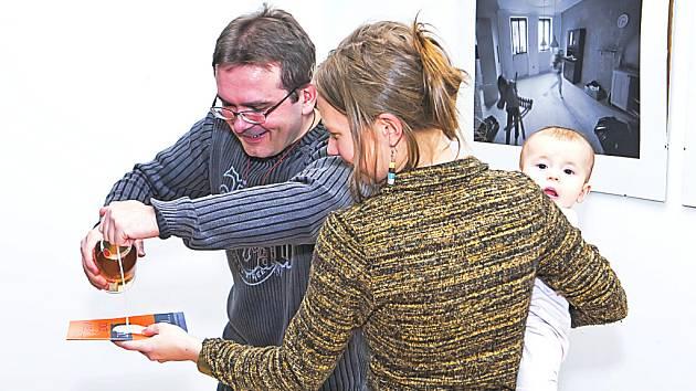 Na snímku Veronika Kynclová s Láďou Sulkem.