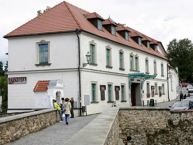 Českokrumlovské Městské divadlo slaví 20. výročí od svého založení.