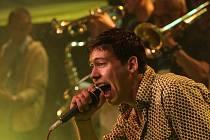 Krumlovská skupina Pub Animals, hrající reggae, získala 23. února za své debutové abum nejznámější tuzemskou cenu Anděl v kategorii ska a reggae. Na snímku zpěvák Pavel Podruh.