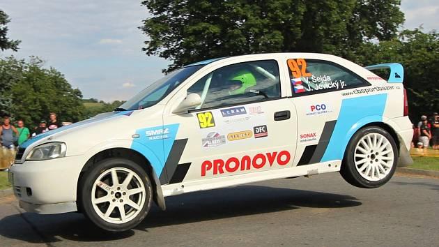 Václav Šejda s Jiřím Jevickým se na trati Rallye Příbram také pořádně proletěli.