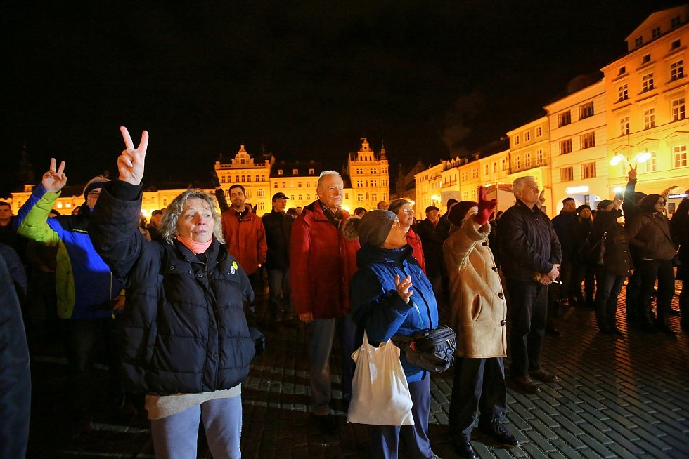České Budějovice demonstrovaly za svobodu médií.