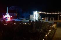 Tisíce světýlek teď zpestřují prohlídku Jihočeské zoologické zahrady v Hluboké nad Vltavou.