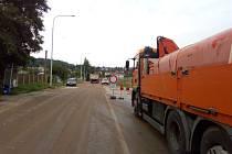 Uzavírku Dobrovodské ulice v Českých Budějovicích si vynutila stavba tunelu Pohůrka na D3. Dopravní opatření se dotkla Dobrovodské, Ledenické i dalších ulic.