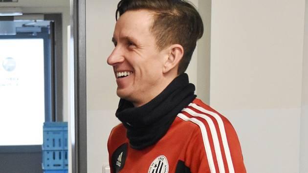 Petr Benát dal v Regensburgu první gól Dynama v novém roce.