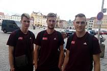Světová liga volejbalistů v Českých Budějovicích. Zleva: Šulista, Zajíček a Zmrhal