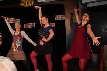 Budějovický Kabaret U Váňů nabízí novou premiéru, pobaví absurdní hra Kam se poděla Valerie, kterou napsal Jiří Suchý.