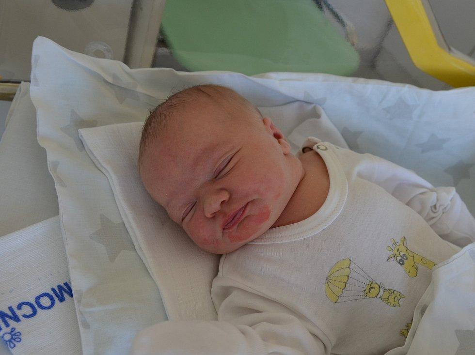 Aneta Křenková ze Strunkovic nad Blanicí. Dcera Moniky a Václava Křenkových se narodila 14. 6. 2021 v 10.18 hodin. Při narození vážila 4040 g a měřila 51 cm. Doma ji čekala sestřička Nella (3,5).