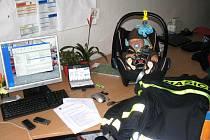 Vedle počítače, na němž Vendula Matějů sepisovala zprávu o povodni, stála dětská sedačka a v ní spal její šestiměsíční syn Filip