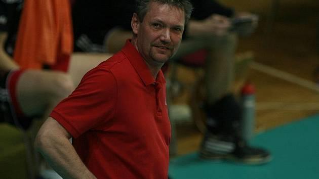 Trenér Jihostroje ČB Petr Brom dostal k padesátinám, které ve čtvrtek oslavil, druhé vítězství nad týmem Ústí.