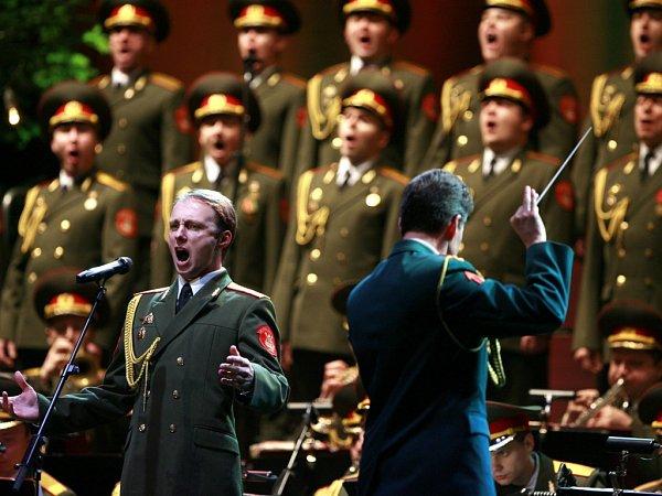 Ruský armádní soubor Alexandrovci zazpívá 16.října včeskobudějovické Budvar aréně. Jeho hosty budou Helena Vondráčková a Michaela Nosková.