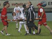 Rudolf Otepka, jenž svým gólem z penalty zápas rozhodl, pro silnou křeč v noze zápas nedohrál.