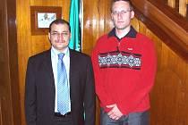 Při rozloučení s Jeho Veličenstvem velvyslancem Království Saúdské Arábie v Praze (vlevo).