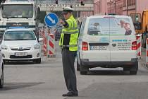 Opravy Mánesovy ulice.