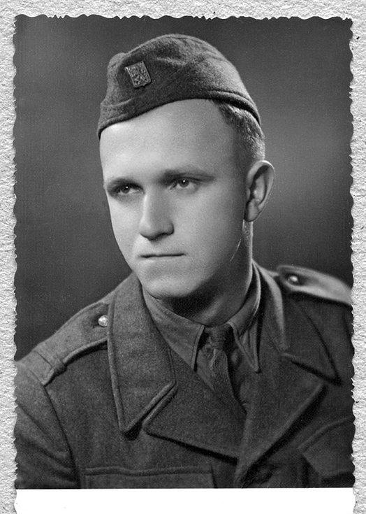 Václav Kulhánek během vojny u PTP.