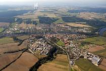 Letecký pohled na Týn nad Vltavou a další okolí Jaderné elektrárny Temelín.