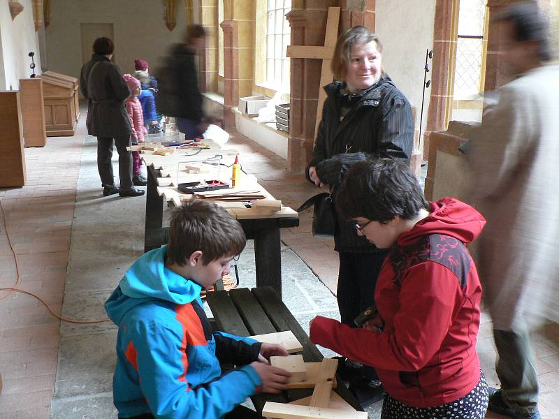 V bývalém klášteře (původně dominikánském) na Piaristickém náměstí v Českých Budějovicích se v sobotu konal program u příležitosti nadcházejících Velikonoc.