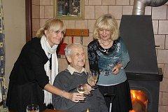 Bohumil Hájek z Nákří oslavil 1. listopadu sté narozeniny. K početnému zástupu gratulantů se připojuje i redakce Deníku.