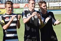 Proti Třinci ve II. lize byli v nominaci Dynama i dorostenci Marek Kalousek, Jakub Pařízek a Martin Šplíchal.
