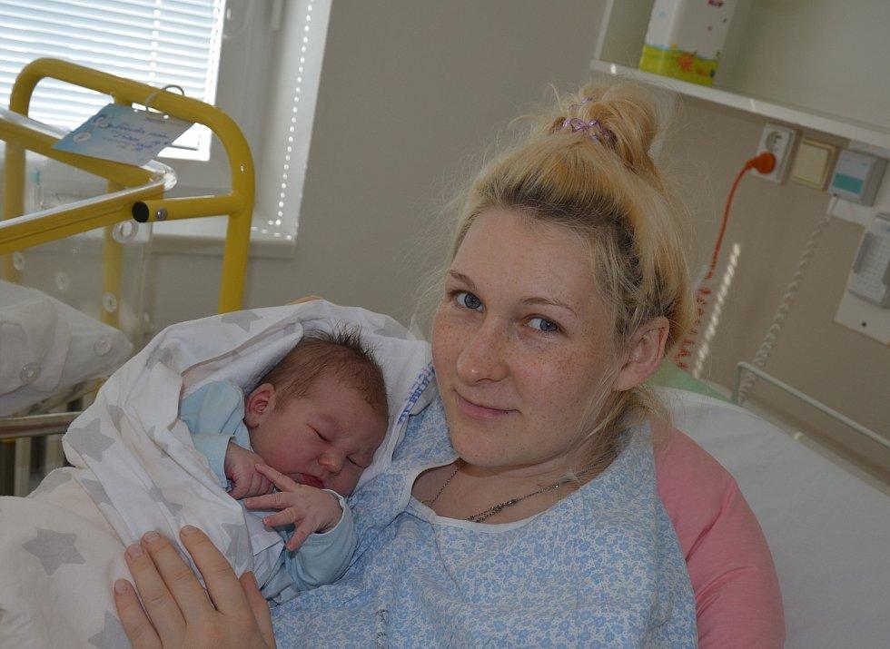 Vilém Janoušek ze Zábrdí u Prachatic. Syn Venduly a Romana Janouškových se narodil 2. 9. 2020 ve 14.16 hodin. Při narození vážil 3750 g a měřil 51 cm. Doma brášku přivítala Ema (2).