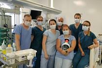 Primář ARO českobudějovické nemocnice Richard Tesařík (vlevo) společně se svými kolegy.