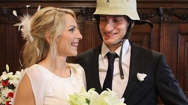 Za povodně vpluli do manželství.