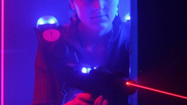 Střílet s laserem můžete v Galerii Dvořák. Foto: Archiv deníku