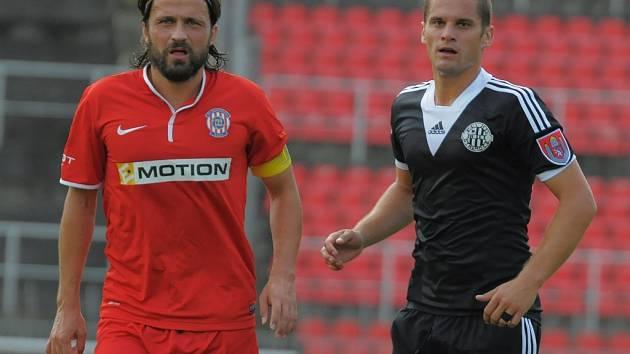 Ladislav Volešák (vpravo) v Brně spolu s domácím špílmachrem Zavadilem.