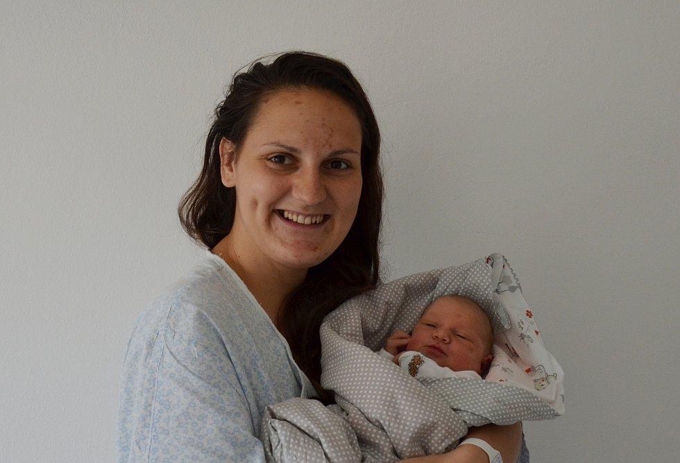 Do Heřmaně odjela s rodiči Klárou Šafaříkovou a Jiřím Vavroněm novorozená Anežka Vavroňová. Narodila se 14. 4. 2021 ve 22.31 h. Její porodní váha byla 3,25 kg.