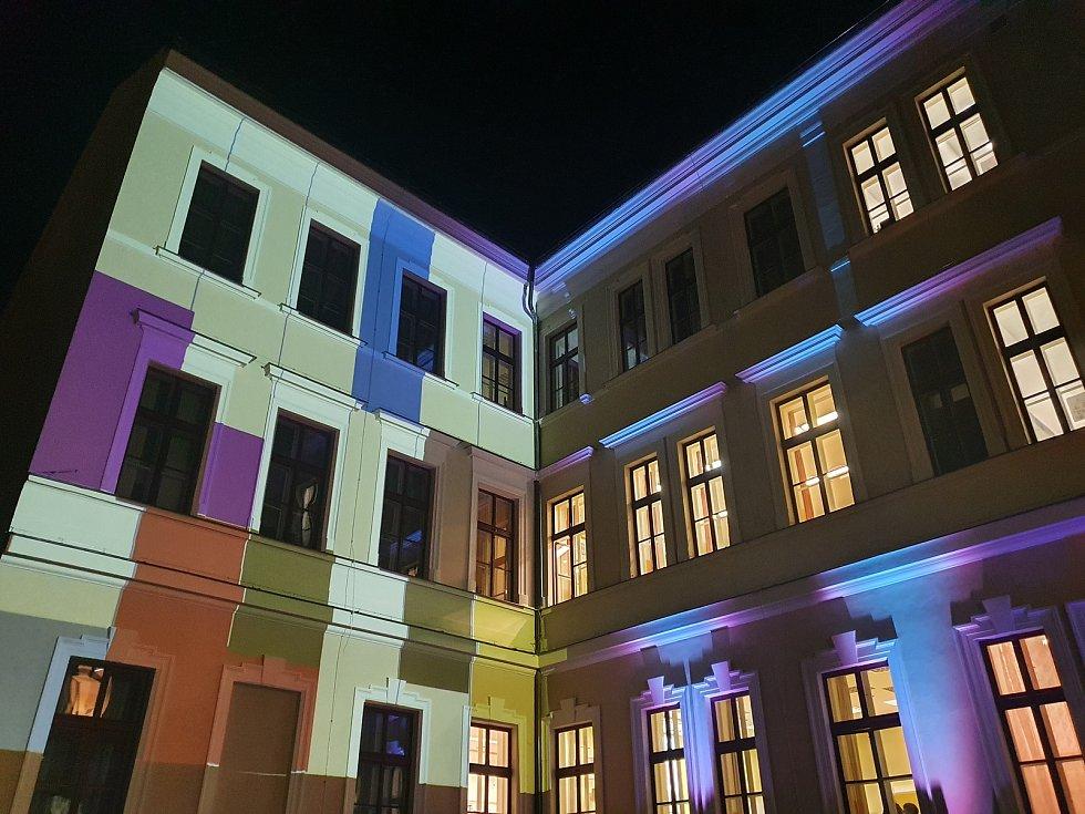 V pátek se na Gymnáziu Česká uskutečnil šestý ročník Noci vědců, umělců a sportovců.