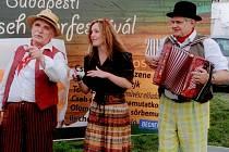 Pouličníci, zleva Marcel Kříž, Alena Němcová a Karel Daňhel.