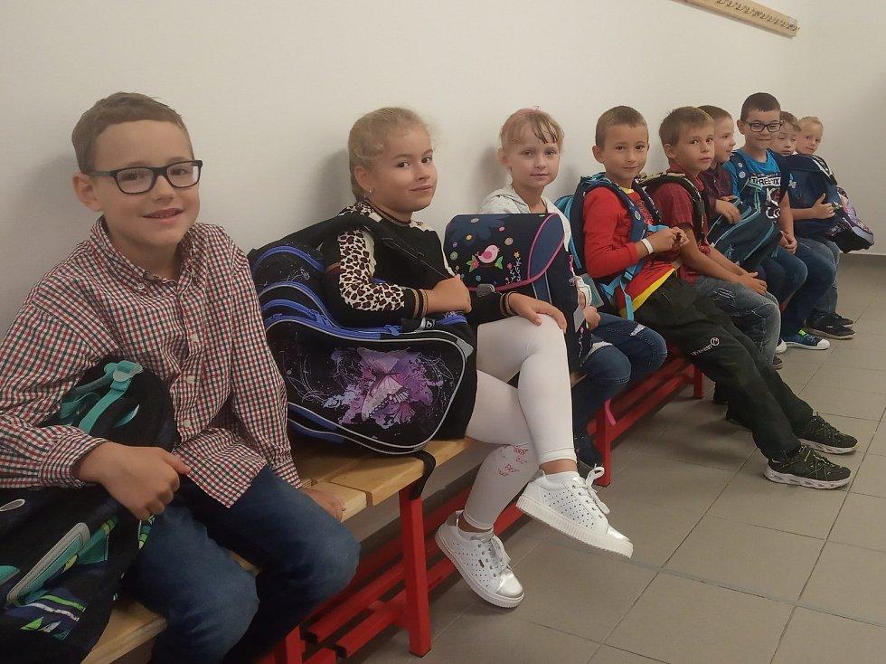 Noví žáci 1.D na základní škole Oskara Nedbala v Českých Budějovicích.