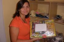Eva Benešová odvezla do Afriky dárky od jihočeských rodičů.