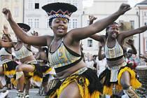 Show z Afriky. Streets of Africa se jmenuje nové představení skupiny IYASA ze Zimbabwe, která začne 11. července své turné v Milevsku. Objeví se na čtrnácti místech Jihočeského kraje.