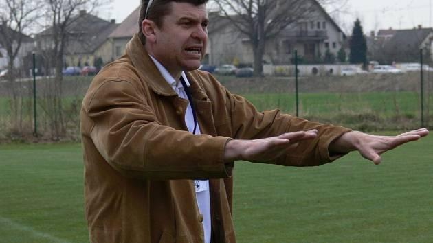 Fotbalový trenér Miroslav Mičan prošel řadou klubů, donedávna vedl SK Ševětín.