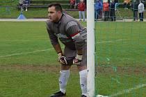 Pavel Vítovec, kapitán v brance ledenických fotbalistů, doma mnohokrát vychytal slavonické střelce.