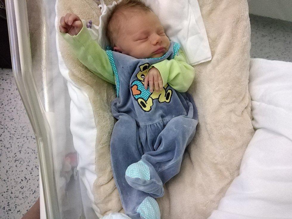 Pyšnými rodiči jsou od 18. 3. 2021 Lenka Trojanová a Lubomír Halas. Těm se v tento den v 5.25 h. narodil ve strakonické nemocnici syn Adam Halas, vážil 2,87 kg.