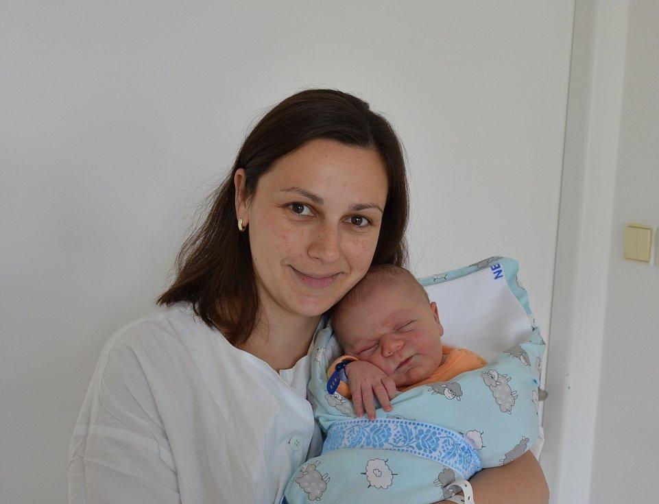 V Chyškách bude žít novorozený Ondřej Dvořák. Syn Lenky a Vladimíra Dvořákových se narodil 12. 4. 2021 ve 21.00 h., vážil 3,95 kg. Doma ho přivítal bráška Mareček.