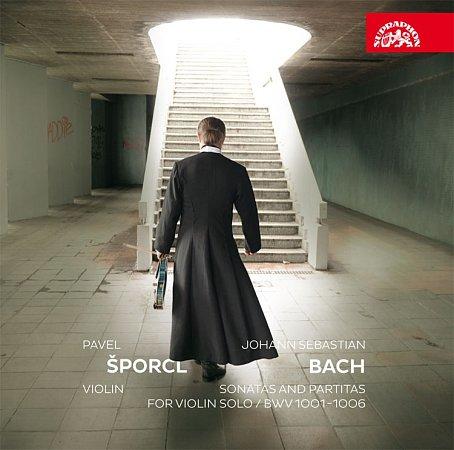 Pavel Šporcl nahrál na nové album sonáty a partity pro sólové housle od Johanna Sebastiana Bacha.