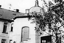 Okresní palác (KNV) v roce 1960, záběr ze dvora.