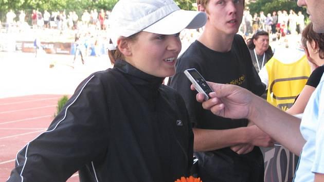 Lenka Všetečková trénuje v Liberci, závodí ale za Sokol ČB. V Táboře si na MČR doběhla pro bronz.