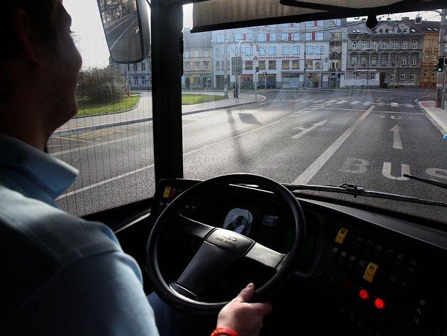 Linky českobudějovické MHD od neděle staví v nových zastávkách.