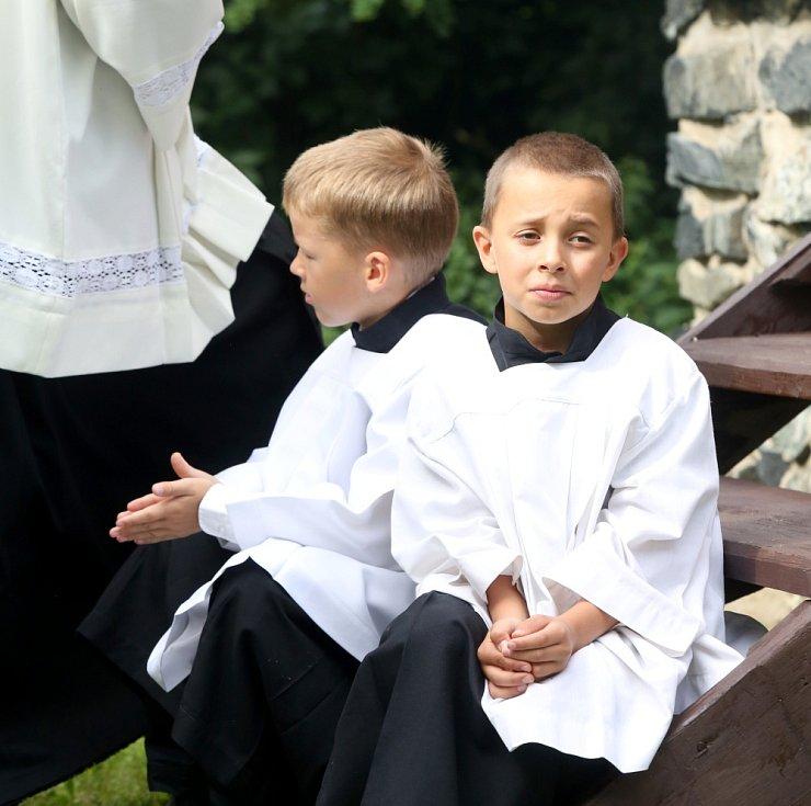 Biskup kázal v Klokotech
